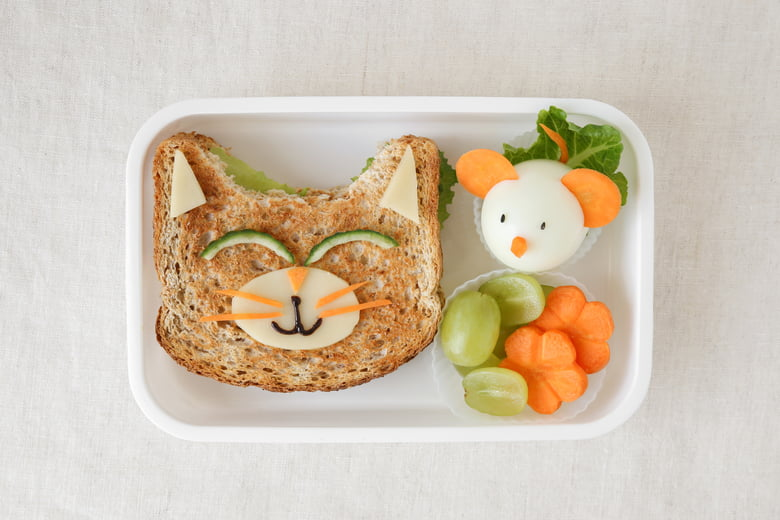 Learn how to pack a healthy, well-rounded and fun lunchbox for your kid